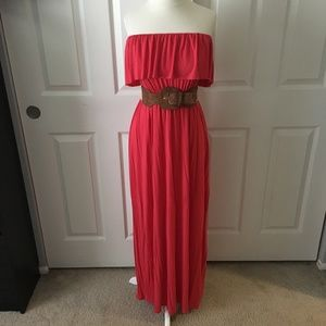 Dresses & Skirts - Strapless Pink Maxi Dress